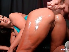 Big booty girl coated in oil and fucked in her cunt tubes