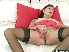 British milf silky works her nipples and pussy tubes