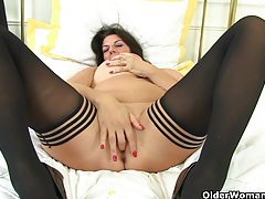 British milf lulu and her big naturals tubes