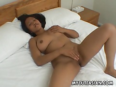 Big natural asian tits are sexy on the solo girl tubes