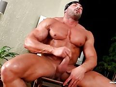 Hot naked body builder jerks off his dick tubes