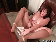 American milf kelli feels so horny today tubes