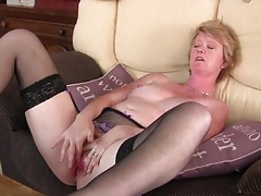 Freckled milf vibrates her clit and moans lustily tubes
