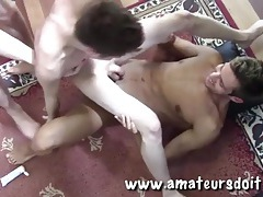 Hard bodies are hot in a gay amateur threesome tubes