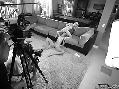 Hot chicks pose for pics and chat behind the scenes tubes
