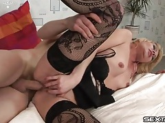 Milf on top can take hard dick all day long tubes