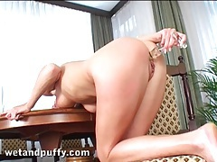 Pump makes her clit throb and a toy bangs her tubes