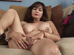 Naked old lady in high heels rubs her clitoris tubes