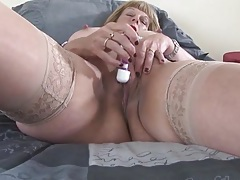 Vibrator delights her shaved mature pussy tubes