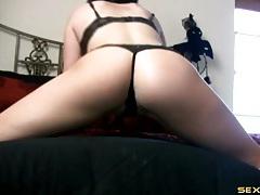 Ass bouncing amateur in a smoking hot thong tubes