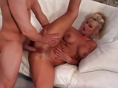 Using the cunt and ass of a hot milf slut tubes