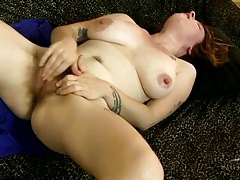 Mommy with very hairy legs rubs her bush tubes