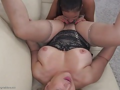 Hairy mature twat licked by a gorgeous young chick tubes