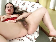 Hairy mom cunt is so sexy as the girl plays with it tubes