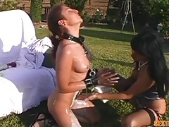 Lesbian collared and chained by her mistress tubes