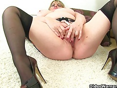 British milfs alisha rydes and amy love dildoing their pussy tubes
