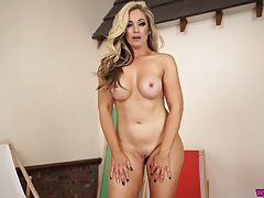 Amazing curvy body milf talks dirty about sex tubes