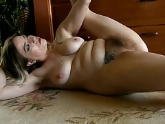 Naked hairy mom shows how flexible she can be tubes