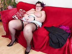 Fat girl plays with her shaved mature pussy tubes