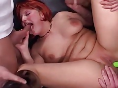 Pink hair slut sucks guys in a blowbang tubes
