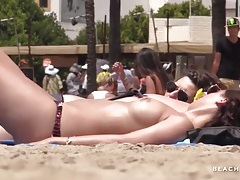 So many amateur titties on the beach tubes