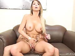 Bimbo slut sits on a dick and rides it lustily tubes