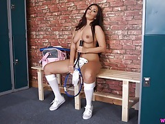Stripping tennis babe gives hot joi tubes