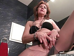 American grannies kay and penny masturbate in pantyhose tubes